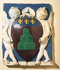 Stemma di Montevarchi, opera di Andrea della Robbia